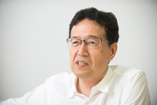 荒牧伸志氏(監督/メカニックデザイナー)