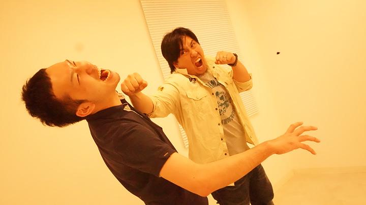 白熱の参考動画撮り?! (左)本岡宏紀/(右)佐々木涼